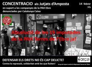 Concentració als Jutjats d'Amposta en solidaritat amb les #19comPAHsVsCX. #AbsolucionPAHEbre
